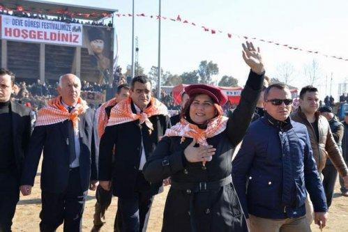 Başkan Çerçioğlu Atça Deve Güreşlerine Katıldı