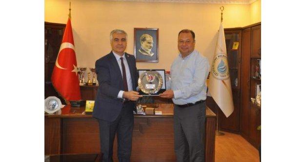 CHP İl Başkanı İnci#039;den Başkan Dinçere Teşekkür Plaketi