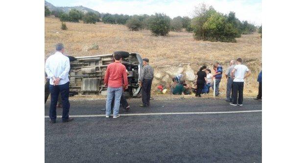 Karpuzlu'da Minibüs Devrildi; 6 Yaralı