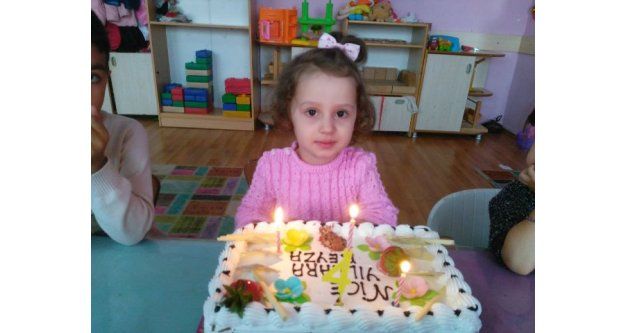 Beyza 4. Doğum Gününü Arkadaşlarıyla Kutladı
