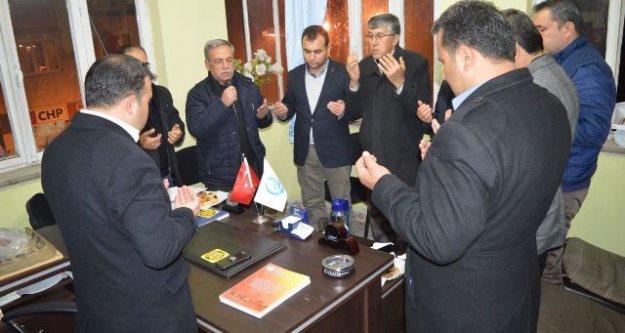 Eller Afrin'deki Mehmetçik İçin Duaya Açıldı