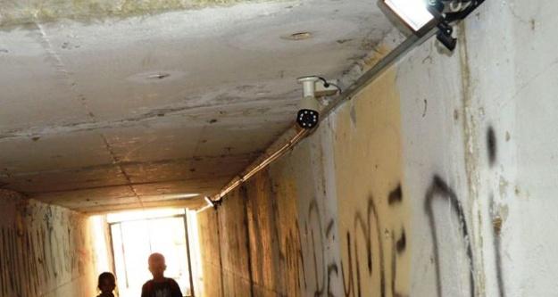 Alt Geçitte Kamera ve Işıklandırma Monte Edildi