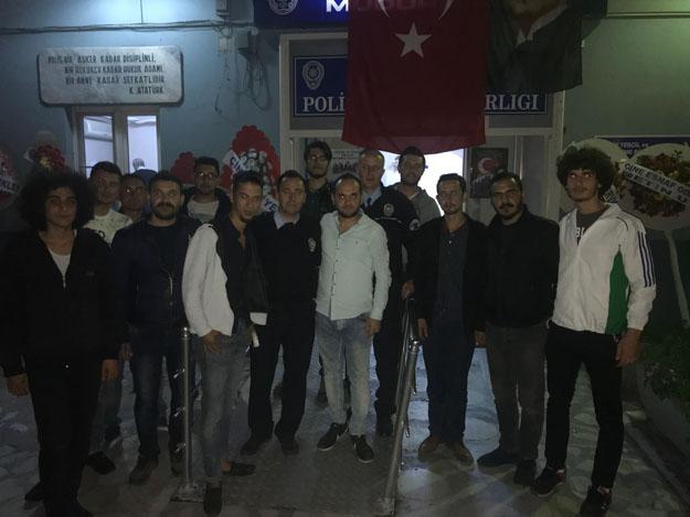 CHP Gençlik Kolları, Emniyet Güçlerine Gece Mesaisi Ziyareti Yaptı