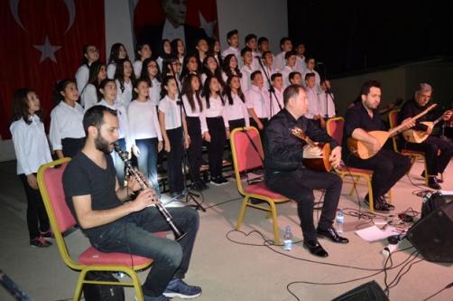 Namık Kemal Ortaokulu Korosundan Müzik Ziyafeti