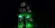 İzmir Yeni Yılı Muhteşem Havai Fişek Gösterisi İle Karşıladı