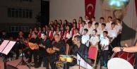 Öğrenci ve öğretmenlerden müzik ziyafeti