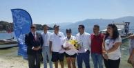 Engelli Milli Sporcu Özdemir, Bafa Gölünde Yüzdü