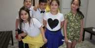 Marmara Koleji Miniklerinden Annelere Sürpriz