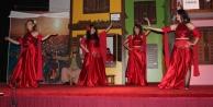 MYO Öğrencileri #039;Cihan Yandı Kanlı Nigâr#039; Oyunu Sahneledi