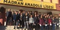 Duyarlı Öğrencilere 'Onur Belgesi Verildi