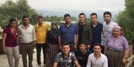 CHPli Gençler, Babalar Gününde Şehit Babalarını Yalnız Bırakmadı