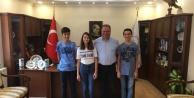 Başkan Dinçer, LGSde Başarılı Öğrencileri Ödüllendirdi