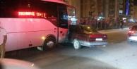 Çine#039;de Yolcu Minibüsü Otomobile Çarptı