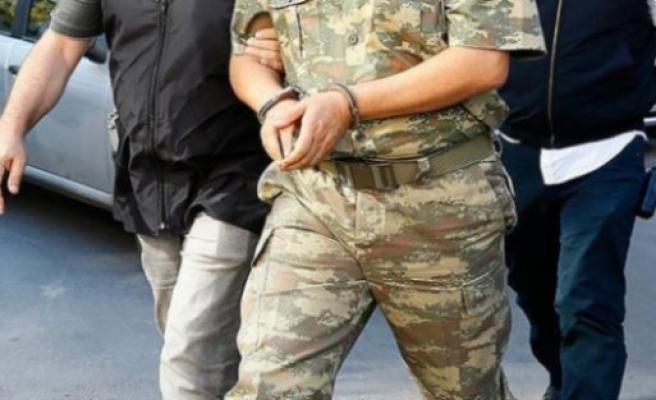 FETÖ'den Askere Gözaltı