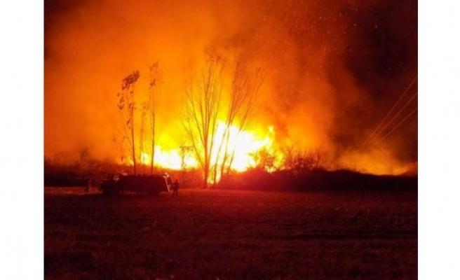 Geceyi Alevler Aydınlattı, Karpuzlu'da Arazi Yangını