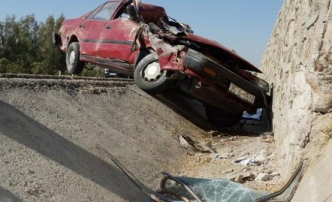 Trafik Kazası Yapan Sürücü Feci Şekilde Hayatını Kaybetti