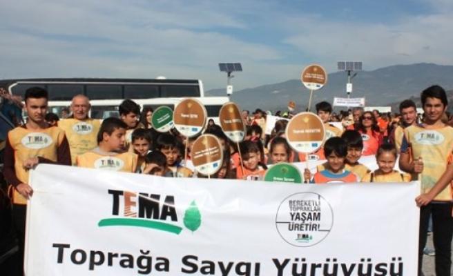 TEMA Vakfı Gönüllüleri Fidan Dikti