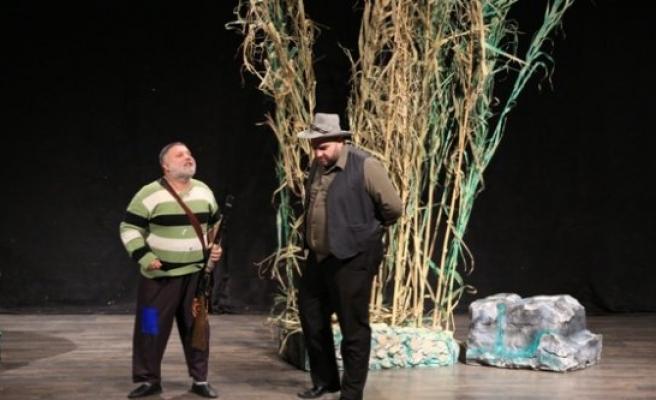 Aydın Şehir Tiyatrosu İki Oyunla Perdelerini Açtı