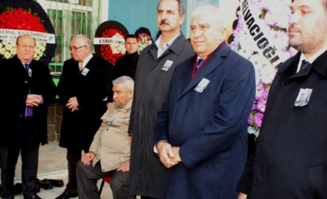 CHP'li Vekil Atay'ın Babası Son Yolculuğuna Uğurlandı
