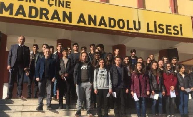 Duyarlı Öğrencilere 'Onur Belgesi' Verildi