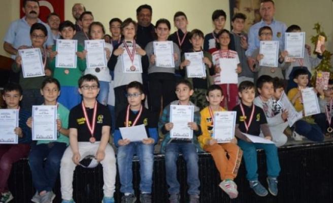 Çine'de,5. Satranç Turnuvası Düzenlendi