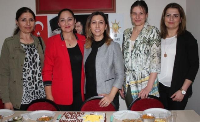 """AK Parti Kadınlar, """"Gücümüzü Birlik ve Beraberlikten Alıyoruz"""""""