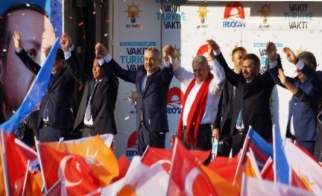 Başbakan Yıldırım'dan CHP'li İnce'ye Menderes Eleştirisi