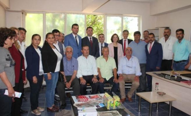 MHP'li Heyet Muhtarları ve Esnafı Ziyaret Etti