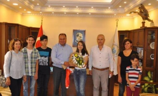 Başkan Dinçer'e, Öğrencilerden Teşekkür