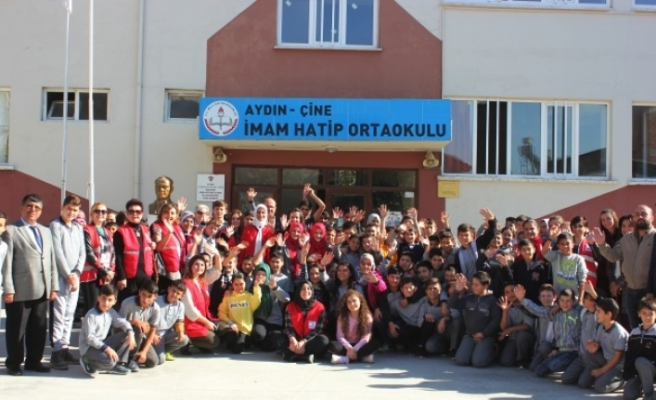 İmam Hatip Ortaokulu, Kızılay Haftası'nı Bağışta Bulunarak Kutladı