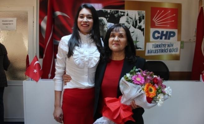 CHP Kadın Kollarında Bayrak Değişimi
