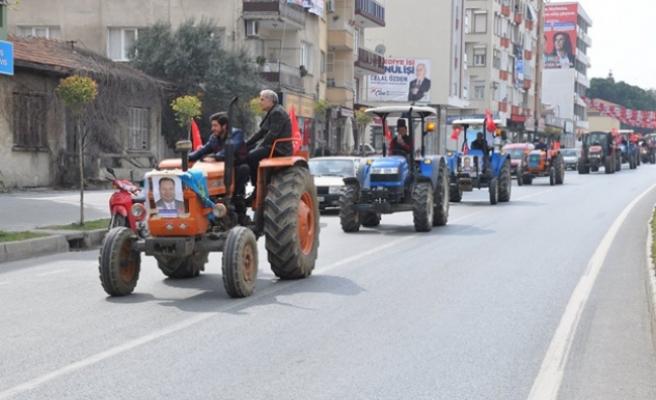 Çine'de Traktörlerle Miting
