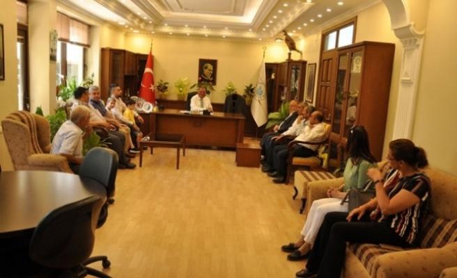 Belediye Başkanı Dinçer, Vatandaşlarla Bayramlaştı