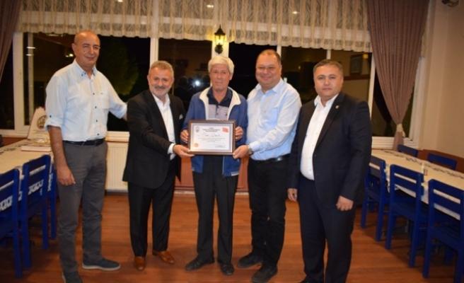Ahi ve Ayın Şoförü Önder Çakır'a Ödül