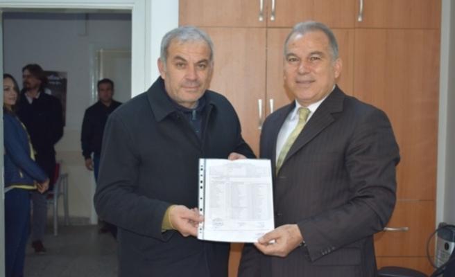 CHP İlçe Başkanı Mazbatasını Aldı