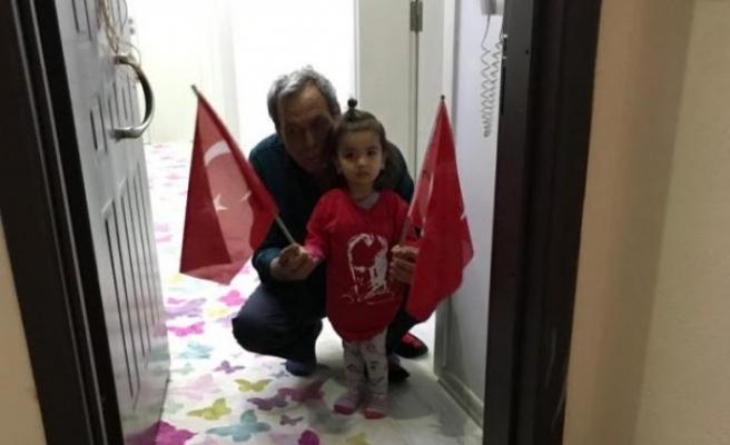 Çine Belediyesi Çocuklara Bayrak Hediye Etti