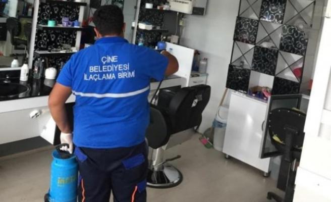 Çine'de Berber ve Kuaförler Dezenfekte Ediliyor