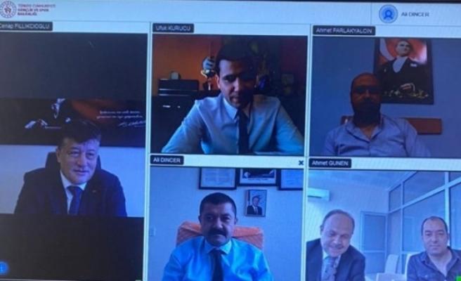Gençlik ve Spor İl Müdürü Fillikçioğlu'dan tedbirli toplantı