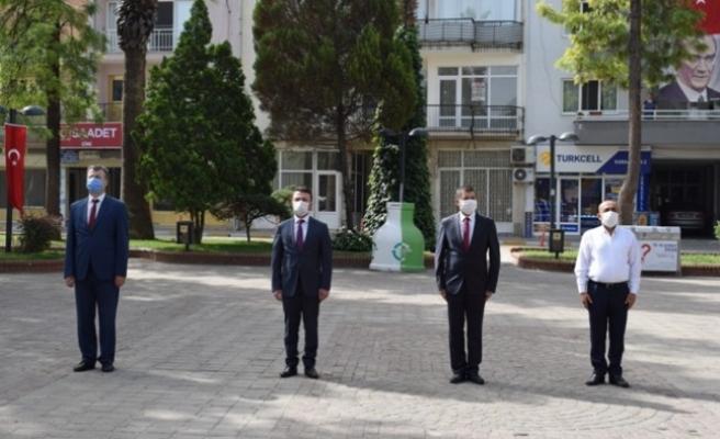 Sosyal Mesafeli, Maskeli 19 Mayıs