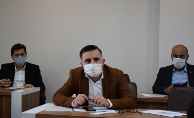 AKP'li üyelerden Belediye'ye soru önergeleri