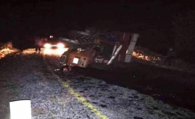 Karpuzlu'da traktör devrildi: 6 yaralı