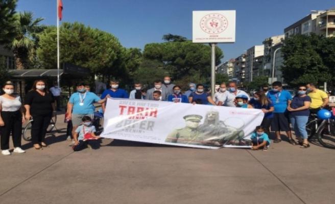 Otizmli çocuklar 30 Ağustos Zafer Bayramı için pedal çevirdi