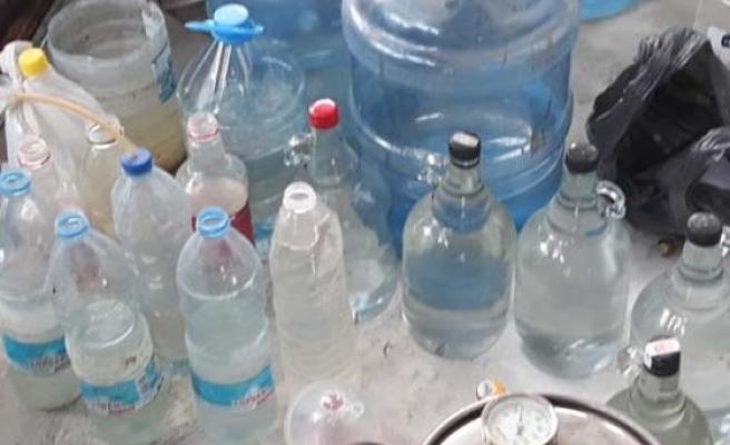 Çine'de 900 litre kaçak içki ele geçirildi
