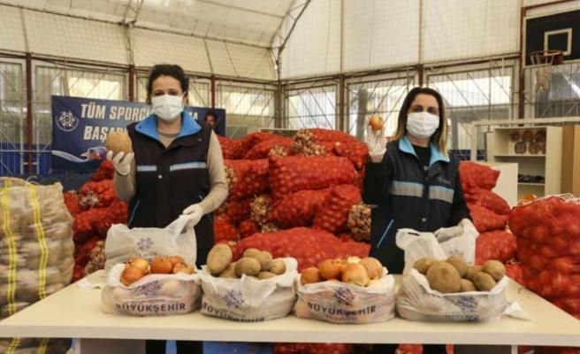 Aydın Büyükşehir Belediyesi'nden Patates Ve Soğan Üreticisine Destek
