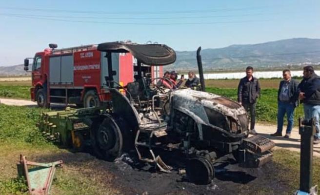 Yolboyu'nda, Park halindeki traktör yandı