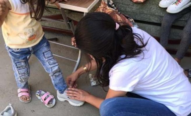 Çine Belediyesi'nden çocuklara bayramlık ayakkabı