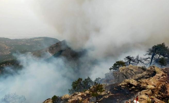 Akçaova üzerinden dumanlar yükseliyor