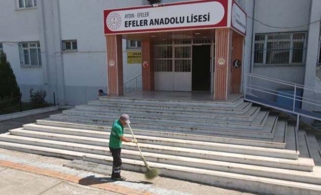 Efeler'in Yeşil Ekipleri Okulları Yeni Eğitim Dönemine Hazırlıyor