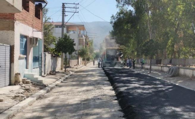 Aydın Büyükşehir Belediyesi'nin Yol Yapım Çalışmaları Tüm Hızıyla Sürüyor