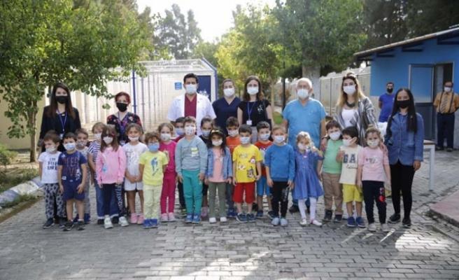 Çocuklardan Hayvanları Koruma Günü'nde Aydın Büyükşehir Belediyesi Barınağına Ziyaret